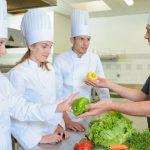 O que considerar na montagem da equipe de cozinha em restaurantes?
